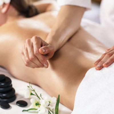 como se realiza un masaje lomi lomi